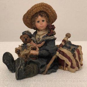 ❤️ 1995 Dollstone Betsy with Edmund #3503 Figurine